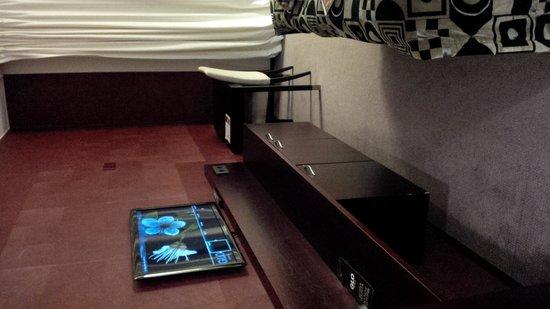 GLO Hotel Art : studio