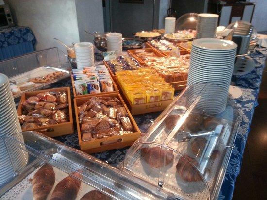 Sam Hotel : Buffet colazione