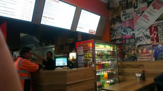 Burger Culture : Kitchen