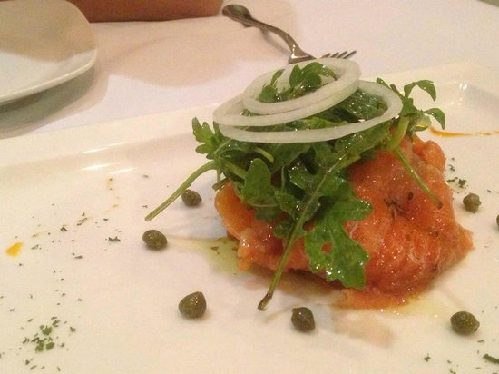 Pampas Reserve Grill & Bar: Smoked Salmon Carpaccio