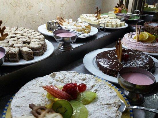 Le Pacha Resort : Dinner cakes