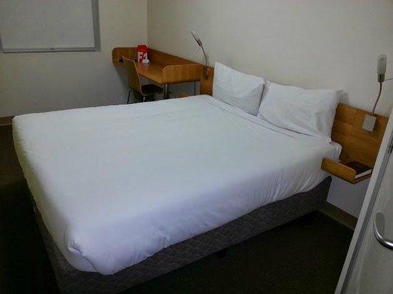 Ibis Budget Hotel Sydney Airport : Bed