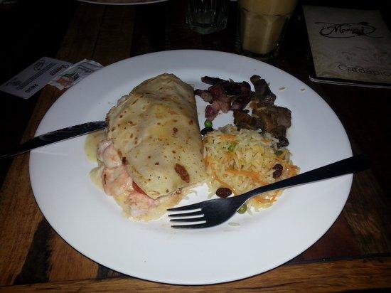 Mangai: Crepe com recheio de camarao e palmito preparado na hora pelo cheff a seu gosto. Magnifico!!