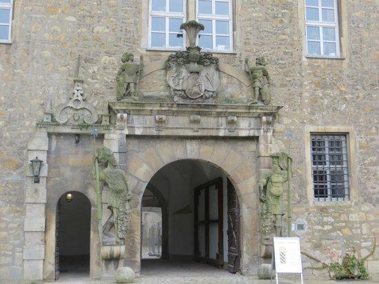 Schloss Wolfsburg: Puerta del castillo