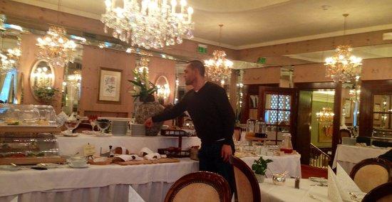 Bristol Hotel Salzburg: The delicious breakfast buffet