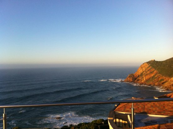 The Alexander Boutique Suites: Cliffs In The Morning 2
