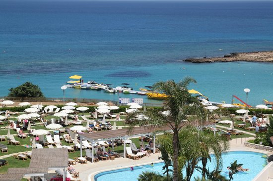 Capo Bay Hotel: our view form balcony