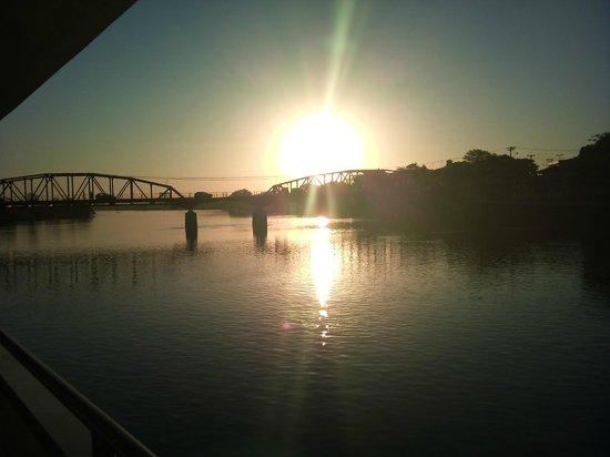Hotel Estancia Barra Bonita: Pôr do Sol no rio Tietê