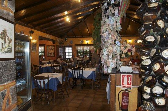 Restaurante El Carmen : Puro y completo reclamo canario en este escenario