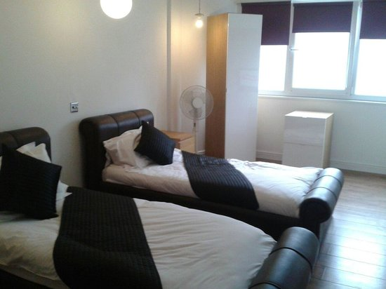 Parr Street Hotel: Beds were so comfortable!