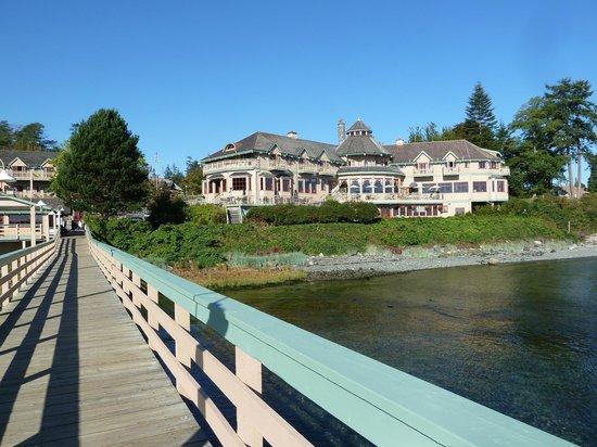Painter's Lodge: Main Lodge building.
