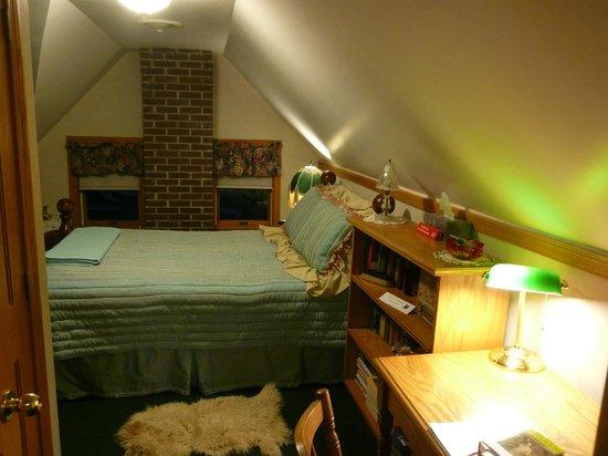 Victorian Loft: room