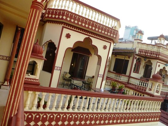 Umaid Bhawan Heritage House Hotel: view on hotel from terrace