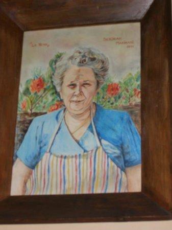 Ritratto della storica titolare del locale: la Nena