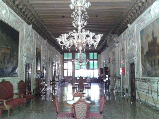 Istituto San Giuseppe: salone cinquecentesco