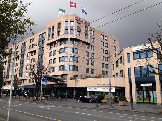 Mövenpick Hotel Lausanne: Vooraanzicht