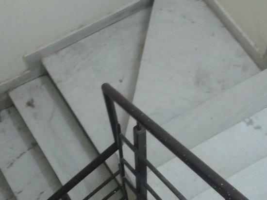 Hotel Indus: Stair
