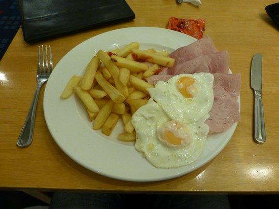Britannia Airport Hotel : meal for £7