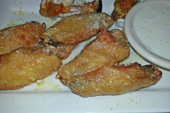 Tavern 46: Decent Wings