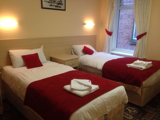 The Dukeries Hotel: Room 19