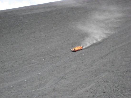 Cerro Negro Volcano: Surfing away!!!