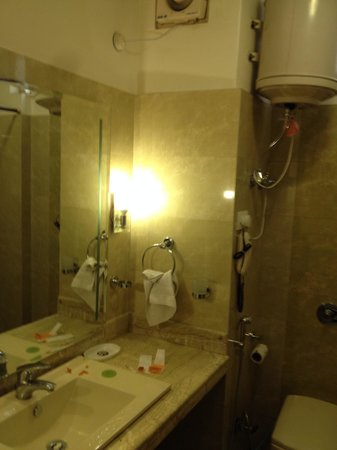 The Holiday Resorts & Cottages: clean bathrooms