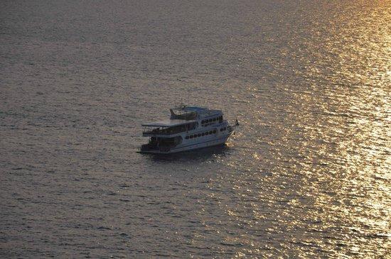 West Coast Divers: Sunset on Pawara