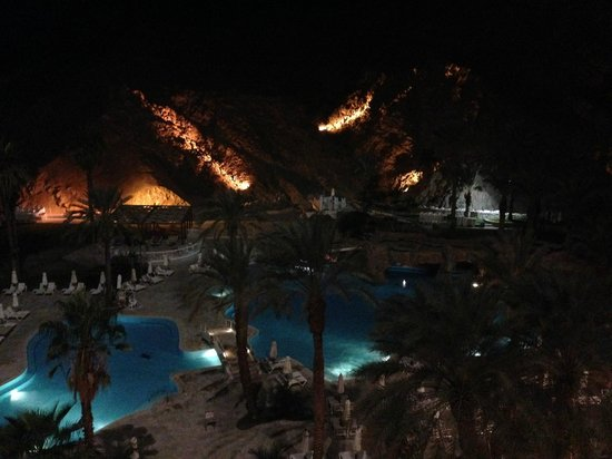 Eilat Princess Hotel : View from Room-pool by night