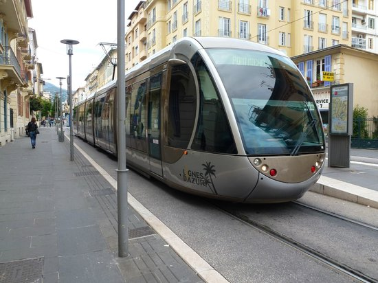 La Moma : Local Tram to Old Nice (or walk)