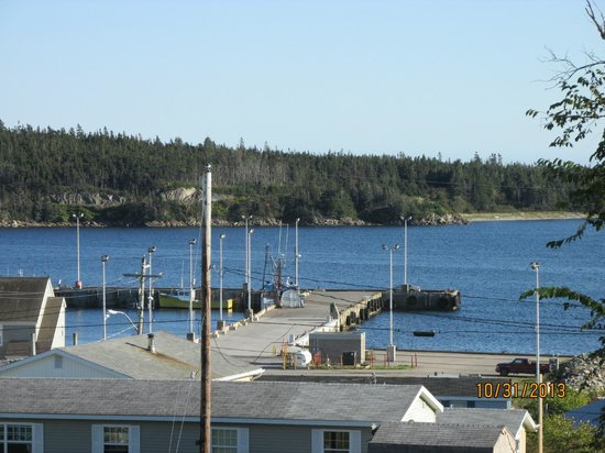 Louisbourg Heritage House Bed & Breakfast: view from 3rd floor suite south