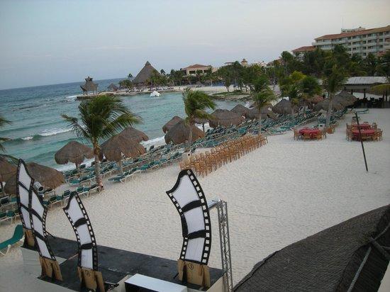 Catalonia Yucatan Beach: Clean Beach area