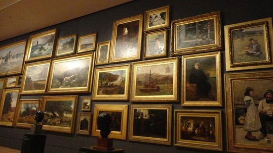 National Gallery of Victoria : Lots of paintings