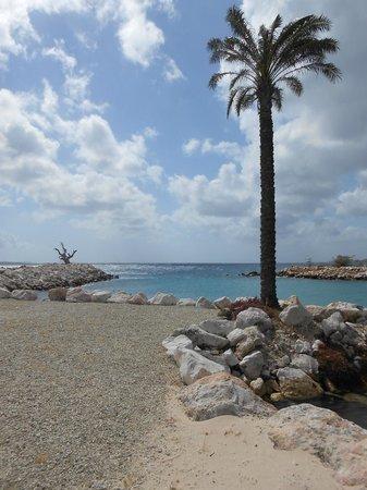 Baoase Luxury Resort: more beach