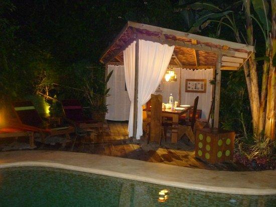 Phidjie Lodge : Le coin piscine