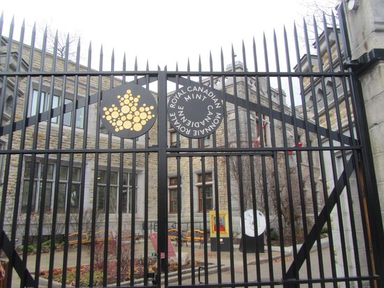 Royal Canadian Mint : Front Gate