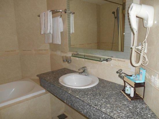 Pacific Hotel : la salle de bain