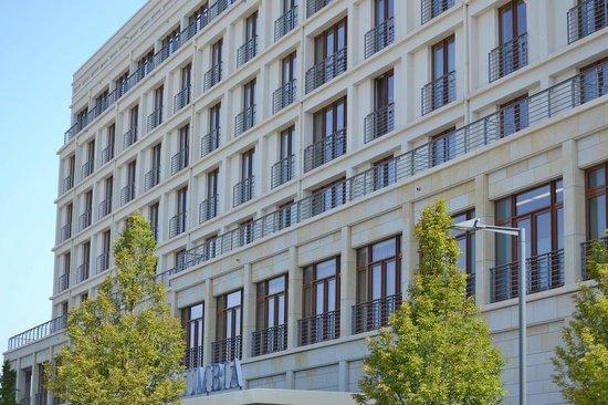 ATLANTIC Hotel Wilhelmshaven: Außenansicht