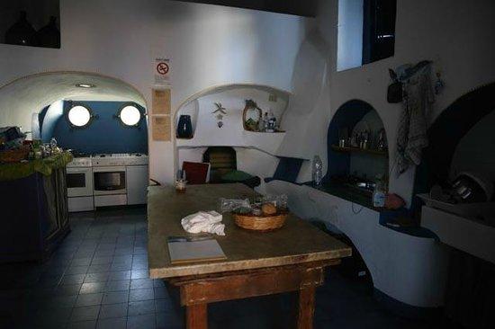 Casa del Sole: la cuisine comune, charme mais sale