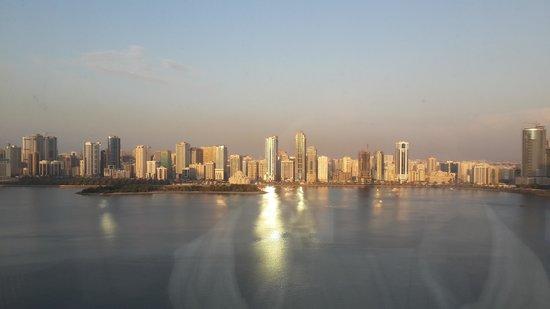 Hilton Sharjah: закат