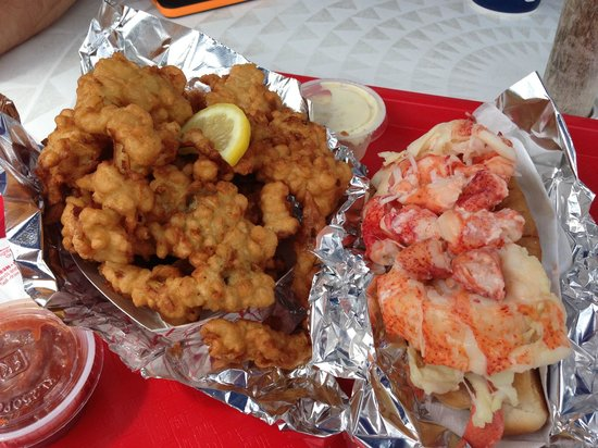 Red's Eats : Lobster roll and fried clams