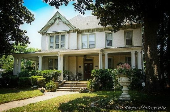 Magnolia House Inn - Historic Gem