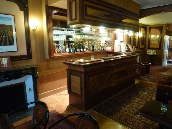 Hotel Belle Epoque : Petite, but handsome hotel bar