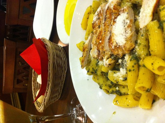 La Tagliatella: Delicious pesto!