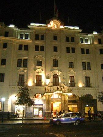 Gran Hotel Bolivar: Vista do Hotel a noite