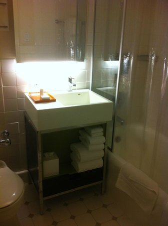 Stewart Hotel: Clean and upgraded bathroom