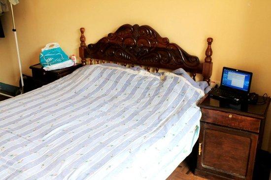Hostal Compania de Jesus : cama