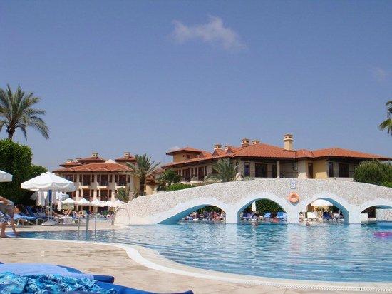 Club Grand Side: Pool