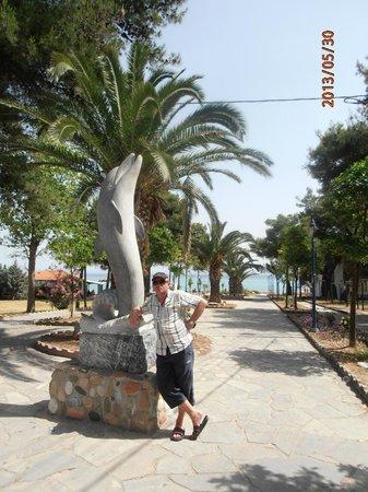 Hanioti Village Resort: pasaż na plażę