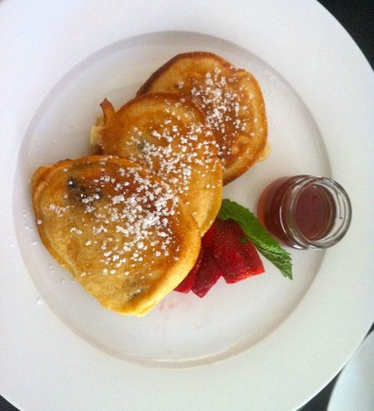 Penguino Guesthouse: Blueberry Pancakes - breakfast special ;-)