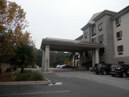 Holiday Inn Express Hotel & Suites - Pensacola West-Navy Base: Entrada de Hotel